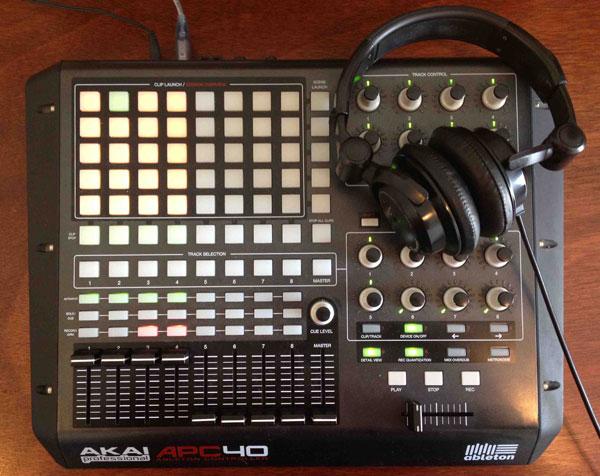 Akai-APC40-MIDI-Controller-Image-600