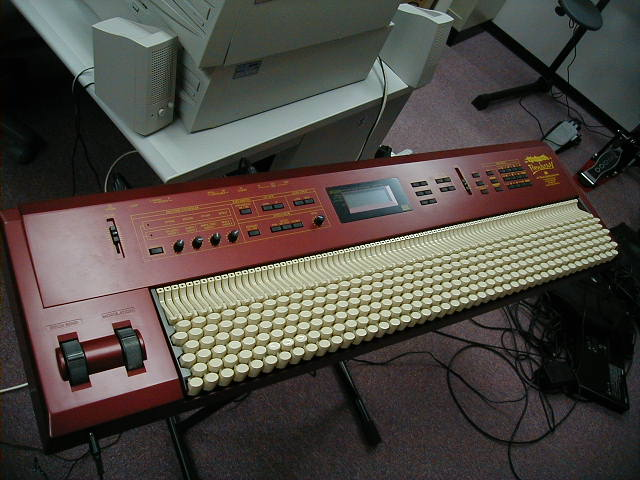 Weird Chromatic Synthesizer